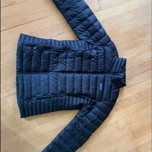 Black Women's Patagonia jacket, size xs.